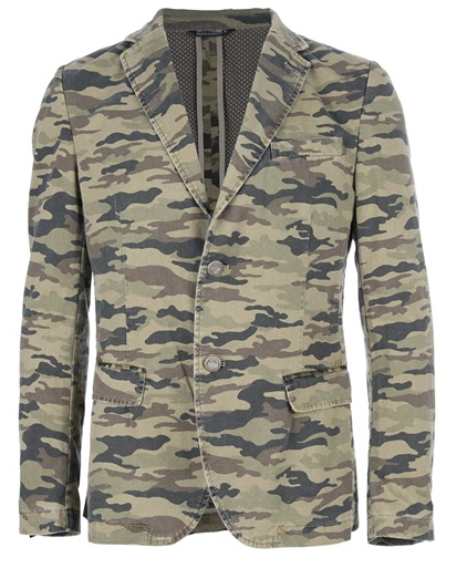 Formal up the trend with this blazer from Daniele Alessandrini @ FarFetch.com