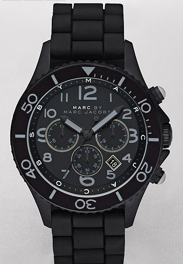 This lil number by what is probably your girlfriend's favourite designer, Marc by Marc Jacobs. This chic sports watch comes with a black silicone strap, a matte black dial with gun-hued accents and is water resistant to 5 ATM.