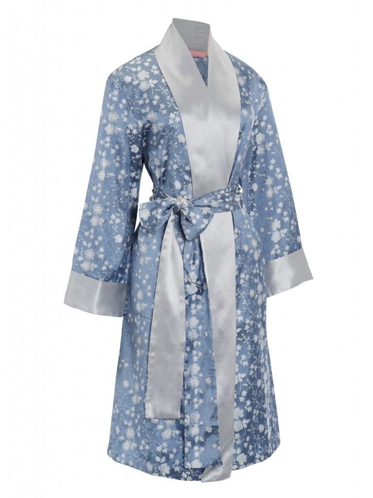 Spoil the most important lady in your life ! Treat her to some Derek Rose luxury nightwear, the perfect adornment for a day of being pampered.  There is something for every Mum to help her unwind in. Dressing gowns and pyjamas are available in pure silk and cotton, while knitwear comes in ultra-‐soft cashmere.