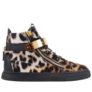 High-tops are the key footwear choice for AW13. Combining this season's leopard print trend, these Giuseppe Zanotti's tick all the right boxes!