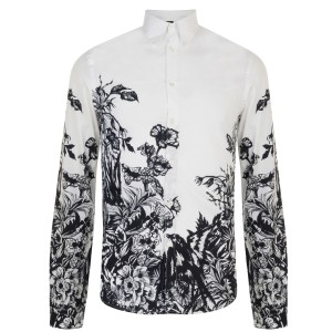 This toxic garden print shirt is a highlight of the McQ Alexander McQueen AW13 collection. Fusing fashion and art, wear with tailored suit trousers for a unique evening look.