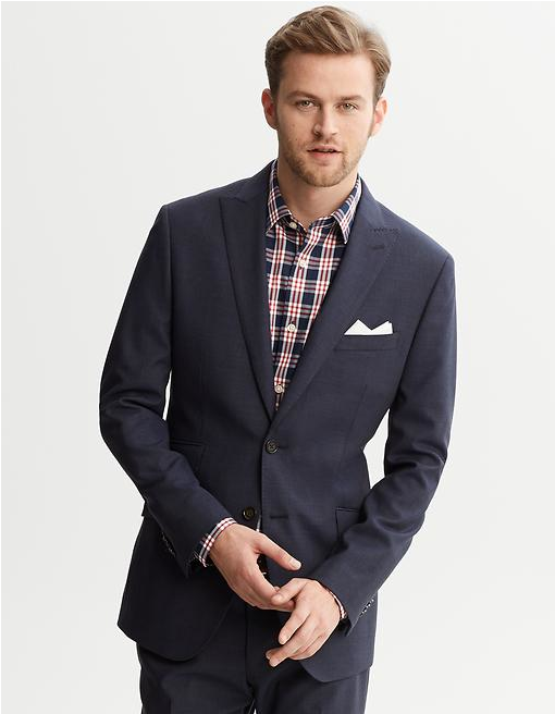This a perfect example of not always having to be super dapper to still be smart. Instead of a white shirt and navy knitted tie(nothing wrong with that by the way) go with a checked shirt for a change