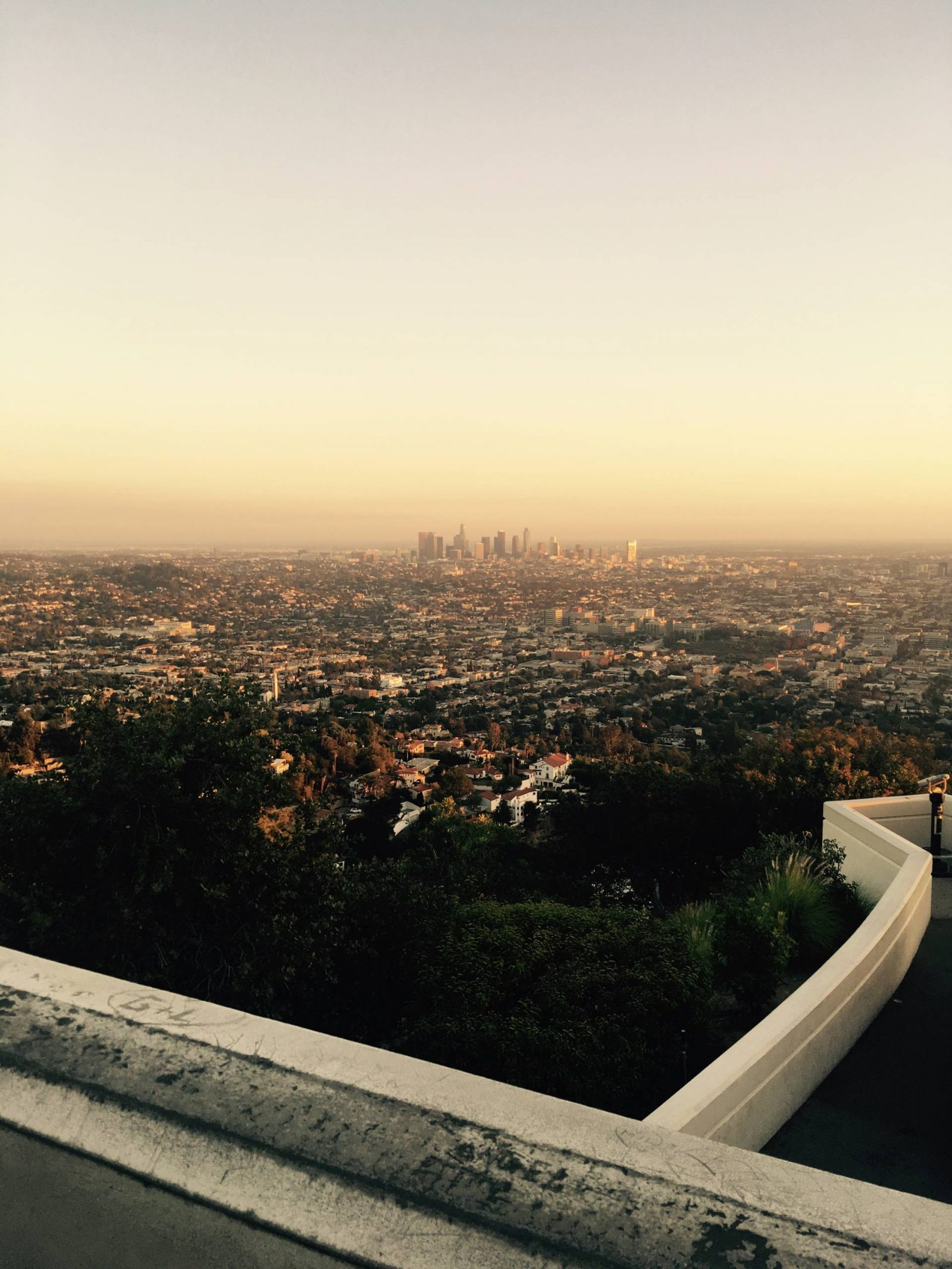 HOME & AWAY – LOS ANGELES