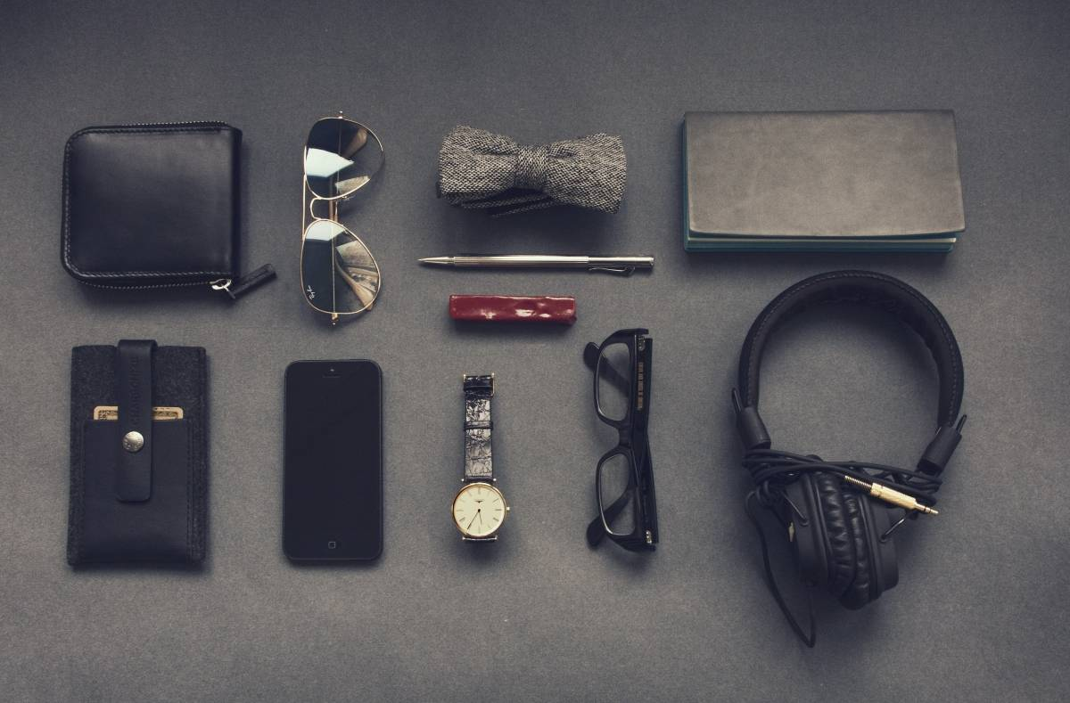 5 Minimalistic Must-Have Accessories for Men